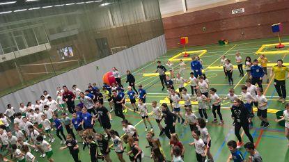 Jongeren beleven topdag met 'Alles met de bal' in sporthal De Gavers