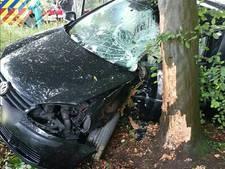 Drugsgebruik mogelijke oorzaak van botsing met boom in Warnsveld