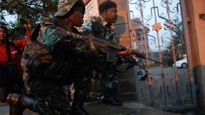Veiligheidstroepen maken zich klaar voor actie