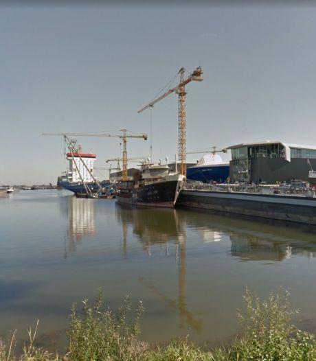 Wapen aangetroffen bij controle in haven Werkendam