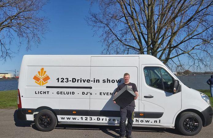Menno Defeo (18) uit Dordrecht van 123-Drive-in show.