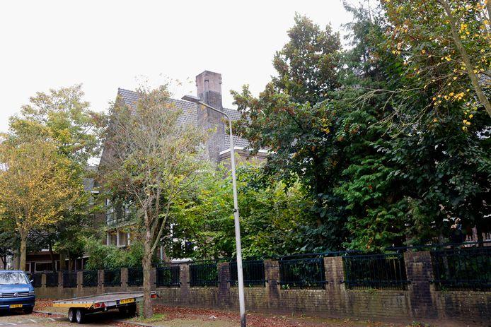 De vrije school in Nijmegen, hier aan de achterkant in de Timorstraat.