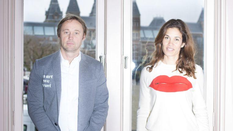 Lionel en Kim Logchies-Prins van het Moco Museum. Hun eerste expositie bestaat uit tachtig werken van Banksy en Warhol. 'We willen graag deze kunstwerken met de wereld delen.' Beeld null