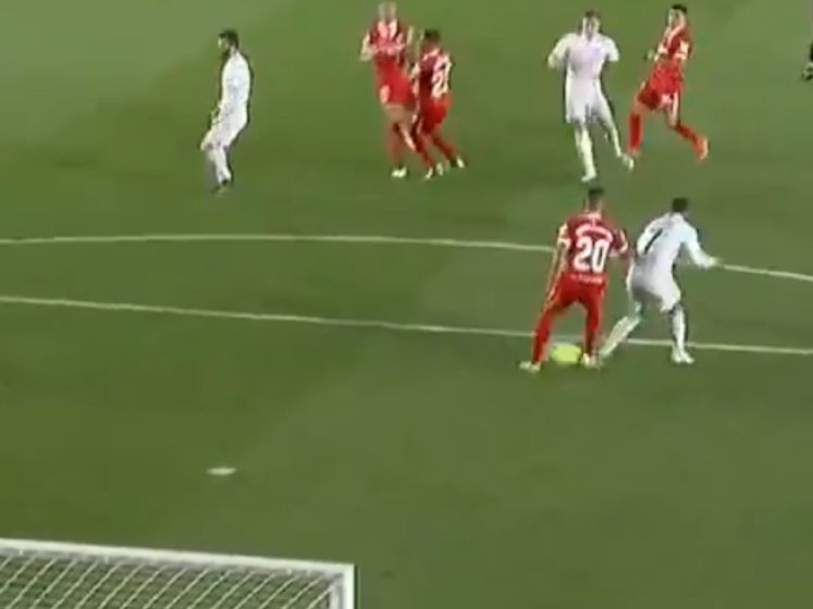 Hazard krijgt late gelijkmaker toch achter zijn naam: hij doet schot Kroos succesvol afwijken