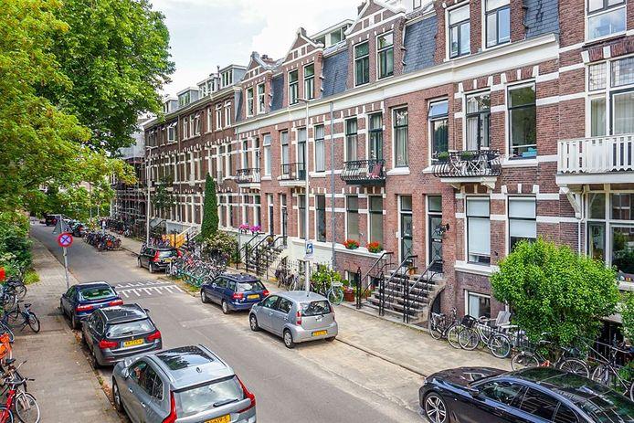 Aan de Alexander Numankade in Utrecht is een huis verkocht waarvoor 10.555 euro per vierkante meter is betaald. Dit is vermoedelijk een record.