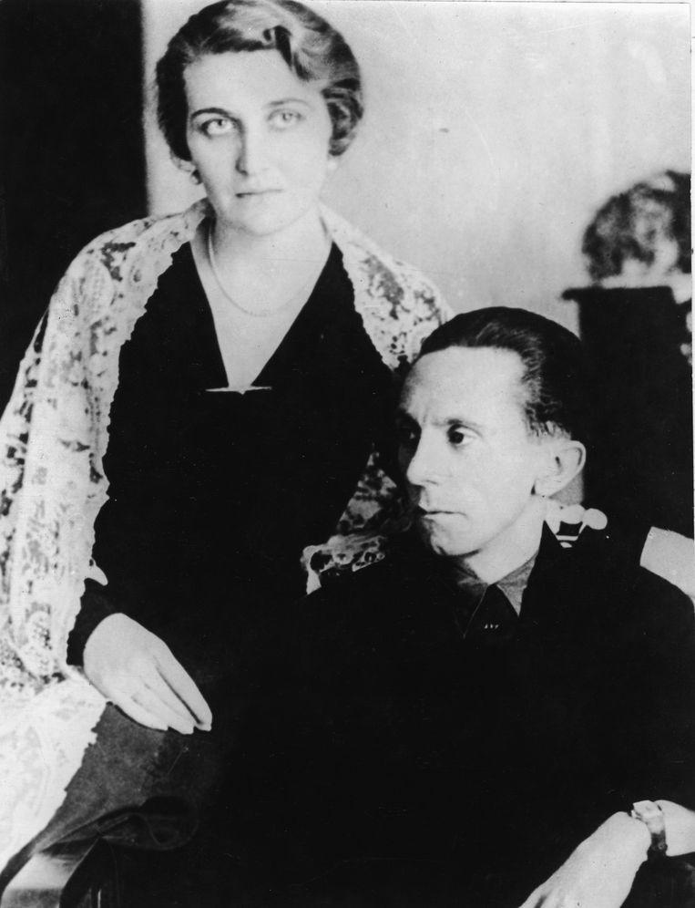 'Hitler had een heel intense relatie met Magda Goebbels. En omdat Joseph Goebbels bleef vreemdgaan, had hij natuurlijk ook meer invloed op haar. Hitler was een man die ze vereerde, terwijl haar echtgenoot haar bedroog.' Beeld Getty Images