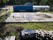 Chaos bij tennisvereniging Heino: bestuur weg, club en gemeente trekken rookgordijn op rond clubhuis-debacle