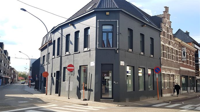 Puur komt in het pand waar vroeger het Italiaanse restaurant Da Corrado gevestigd was.