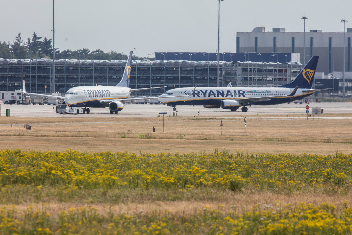 Vliegtuigen van Raynair op Eindhoven Airport