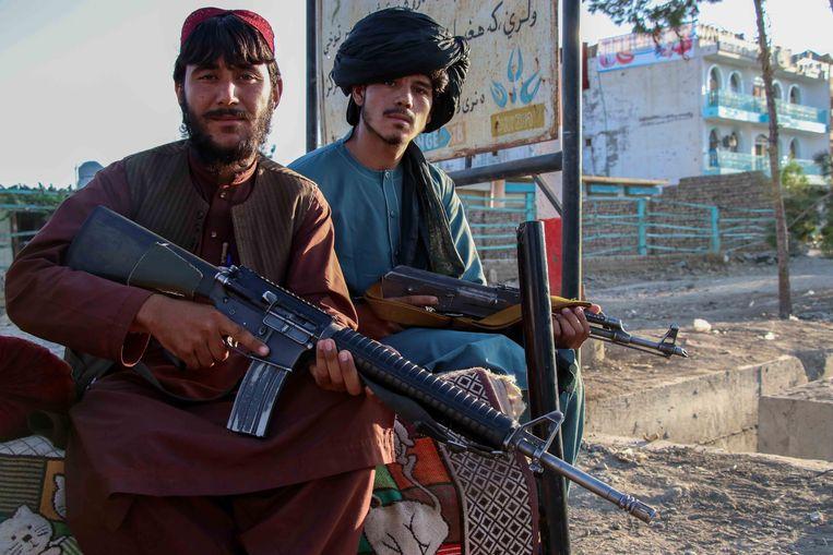 De Taliban patrouilleert in Kabul. Beeld EPA