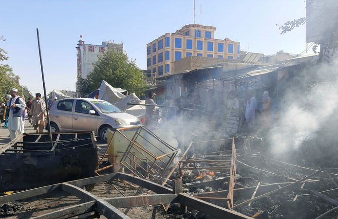 Rook na de gevechten in de stad Kunduz zondag.