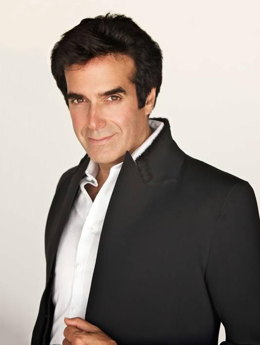 Illusionist David Copperfield wijst elke verantwoordelijkheid van de hand nadat een bezoeker van zijn show backstage een tragische val maakte.