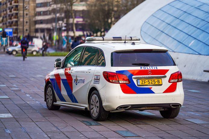 Politie is maandag uit voorzorg aanwezig op het 18-Septemberplein in Eindhoven