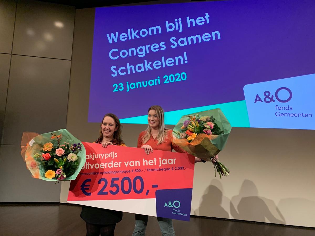 Iris Agterbosch en Mirte Koopman uit Almelo hebben de prijs Uitvoerder van het Jaar 2020 gewonnen.