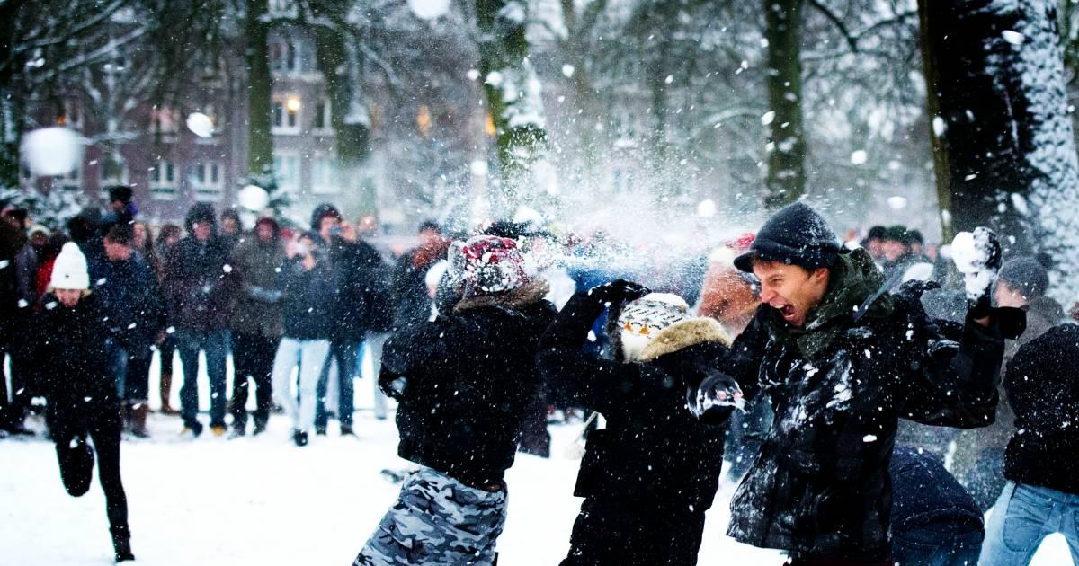 Rijksoverheid: Alléén sneeuwballengevecht met eigen huishouden of één vriend - Eindhovens Dagblad