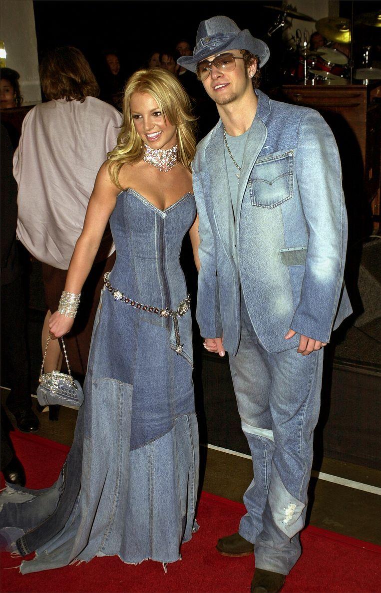 Britney Spears en 'mede-Mouseketeer' Justin Timberlake tijdens de 28ste American Music Awards in Los Angeles in 2001.