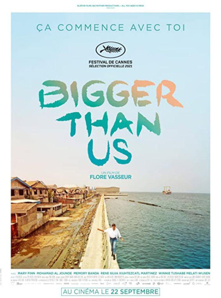 Poster Bigger Than Us Beeld -