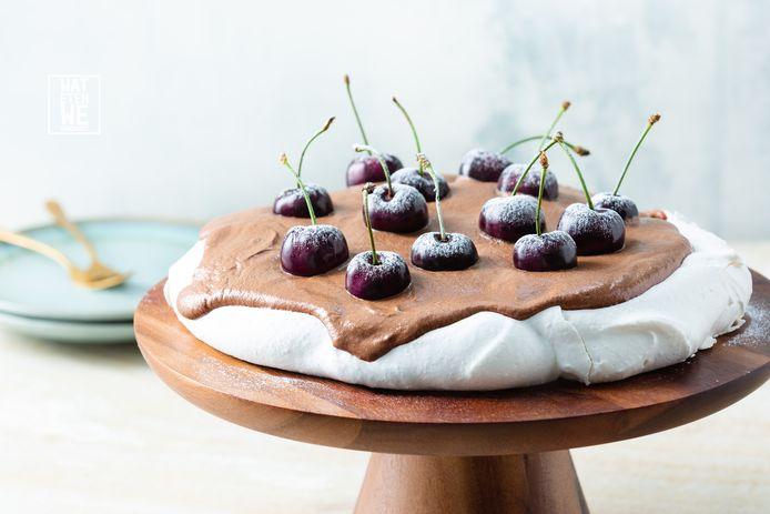 Pavlova met purechocoladeroom