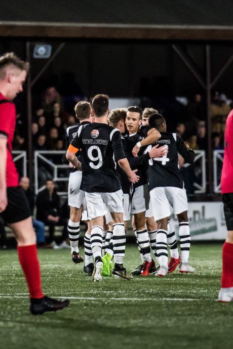 Voetbalclubs wachten KNVB niet af en regelen massaal eigen Regiocup; zomer vol derby's in vooruitzicht