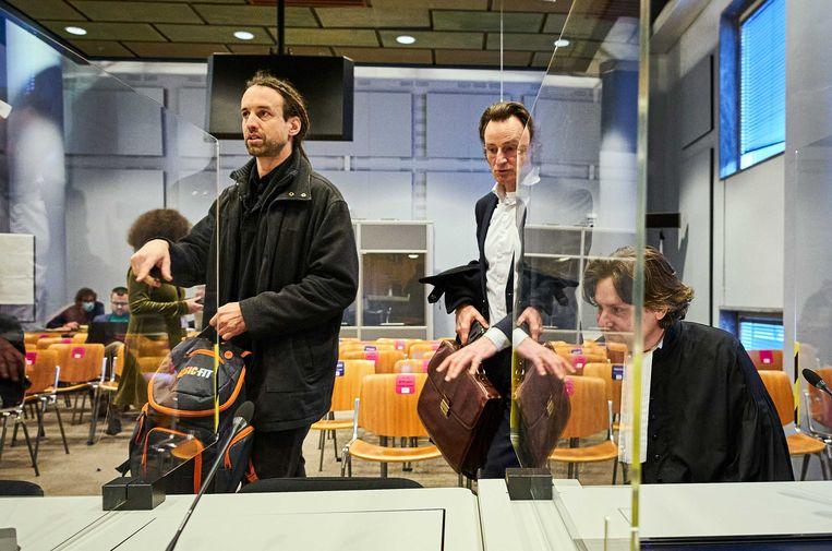 Willem Engel (links), Jeroen Pols en Gerben van der Corput van Viruswaarheid. Beeld ANP