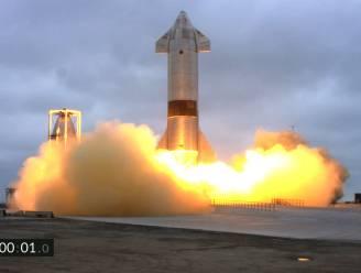 Prototype Marsraket van SpaceX maakt voor het eerst succesvolle landing na testvlucht