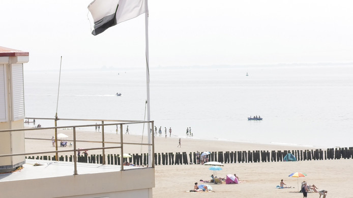 Het strand bij Zoutelande, waar in juli een meisje werd overvaren en stierf aan de opgelopen verwondingen