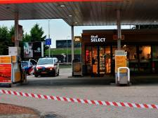 Overvaller met mes springt over de balie bij tankstation in Harderwijk: 'Maak de kassalade open, geef het geld'