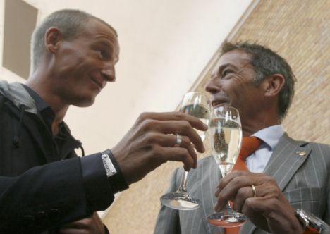 Zijn opvolger Stefan Petzner (27) en de getrouwde Jörg Haider (58) hadden een relatie.