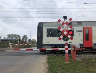 Spoorwegbeheerder wil drie overwegen sluiten