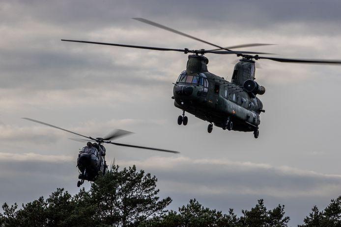 Chinook-helikopters tijdens een oefening, foto ter illustratie.