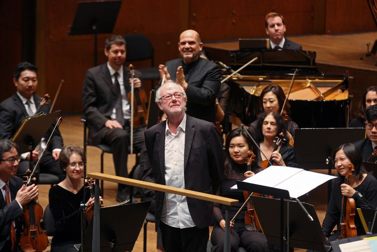 Louis Andriessen na de Amerikaanse première van zijn stuk Agamemnon, uitgevoerd door het New York Philharmonic o.l.v. Jaap van Zweden in David Geffen Hall, 2018. Beeld Getty Images