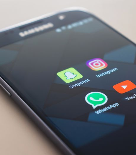 Politie pakt weer 38 verdachten van WhatsAppfraude op