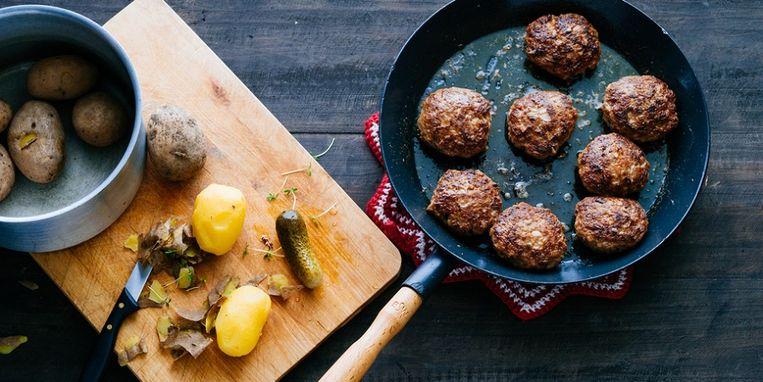 fried-meatballs-in-a-pan.jpg