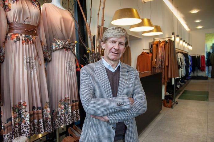 Modeontwerper Addy van den Krommenacker de winkel aan de Bossche Verwersstraat die door het faillissement is gesloten.