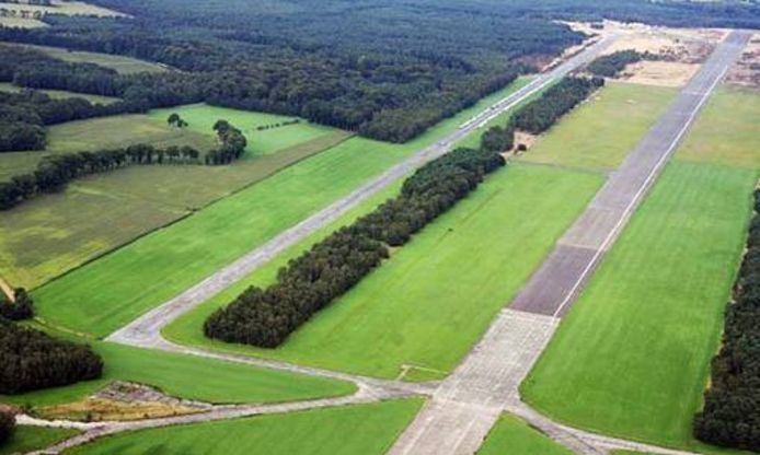 Het voormalig vliegveld met een grootte van tweehonderd hectare ligt op het grondgebied van de gemeentes Malle en Zoersel.