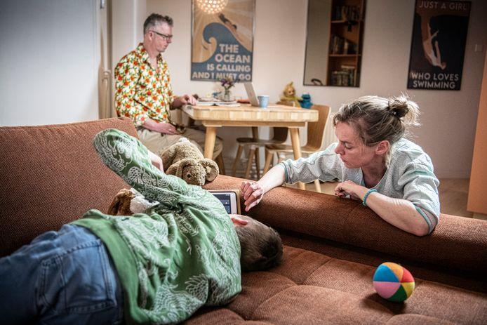 Annemarie Haverkamp met man Rob en zoon Job.