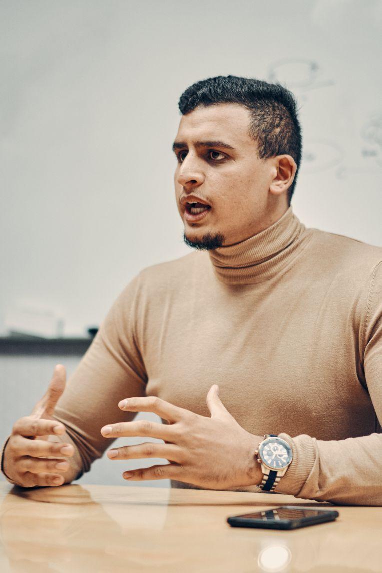 Yassine Boubout: 'Wie ons haat, kunnen we moeilijk veranderen. Maar de mensen die bang zijn, die kunnen we overtuigen, door hun wereldbeeld te verbreden.' Beeld Thomas Sweertvaegher