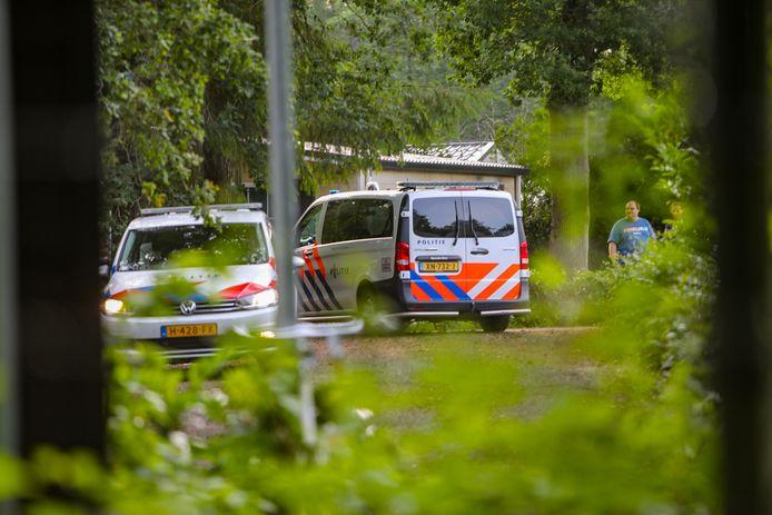 De politie kwam er vanavond op camping De Eikenberg in Beekbergen aan te pas, toen een conflict in een chalet uit de hand liep.