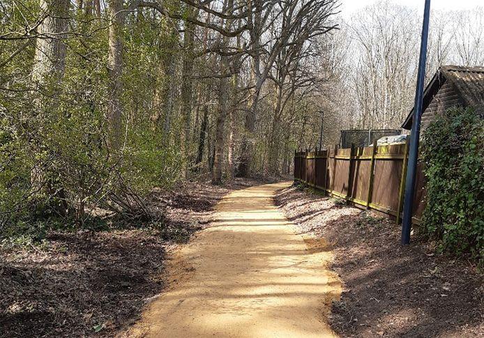 Nieuwe dolomiet en LED-verlichting moeten de paden veiliger en beter maken.