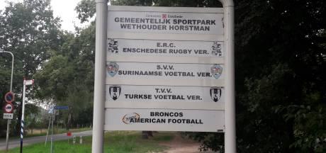 Kleine voetbalclubs in Enschede krijgen het mes op de keel