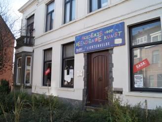 Houtaantastende schimmel ontdekt in Lichterveldse kunstacademie, gebouw blijft zeker tot eind dit jaar dicht