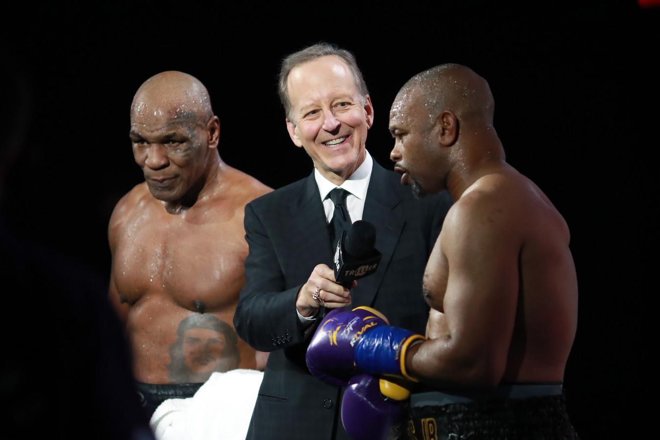 Roy Jones, Jr. (rechts) en Mike Tyson.