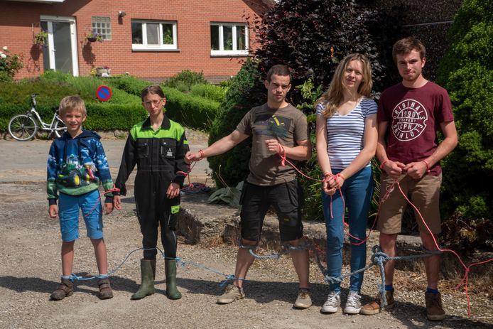De landbouw(jeugd) voelt zich aan handen en voeten gebonden door een onzekere toekomst.