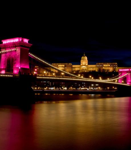 Proloog Giro over oudste brug Boedapest