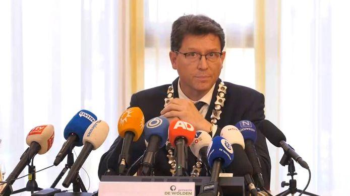 Roger de Groot. De nieuwe burgemeester van gemeente Noordoostpolder stond in 2019 veel pers te woord toen in Ruinerwold in een kelder een vader met zijn kinderen werd aangetroffen.