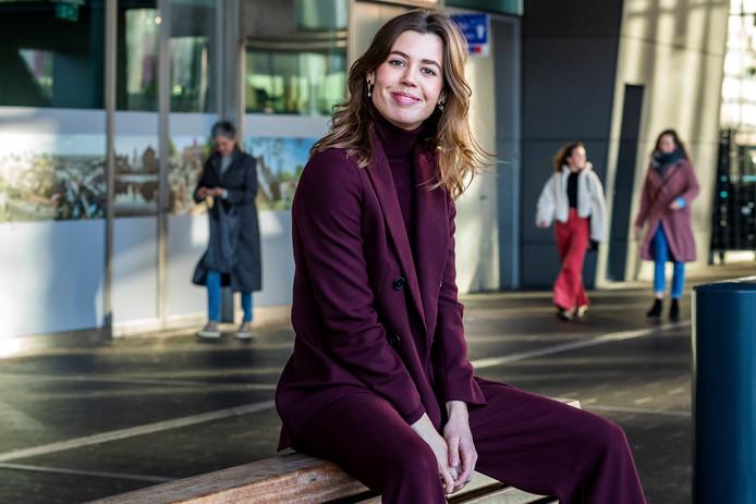 Julia Koopman voor de kamer op Utrecht CS waarin ze twee jaar geleden woonde.