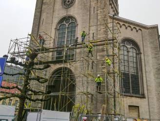 Toren Onze-Lieve-Vrouwkerk gaat in de steigers