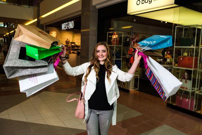 """Sofie Van Hooydonk kijkt uit naar haar job: """"Winkels afschuimen, nieuwe spullen ontdekken. Spannend!"""""""