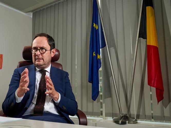 """Nieuw justitieplan belooft meer geld, maar ook strengere straffen: """"Zelfs 15 dagen cel zullen uitgezeten moeten worden"""""""