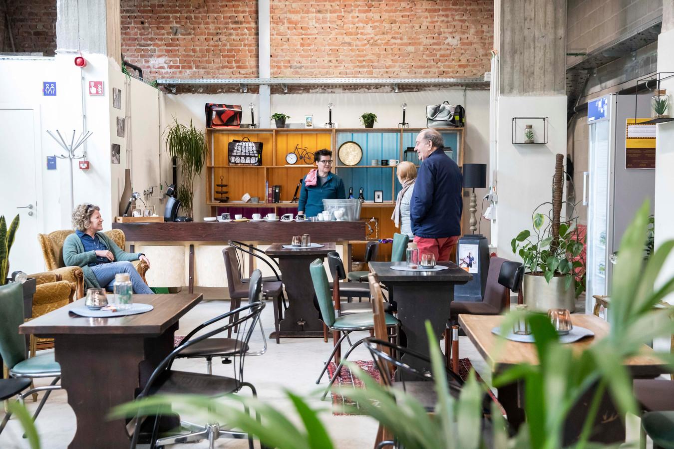 Het Fietspunt op Portavida is het eerste in Limburg met een koffiehoek.